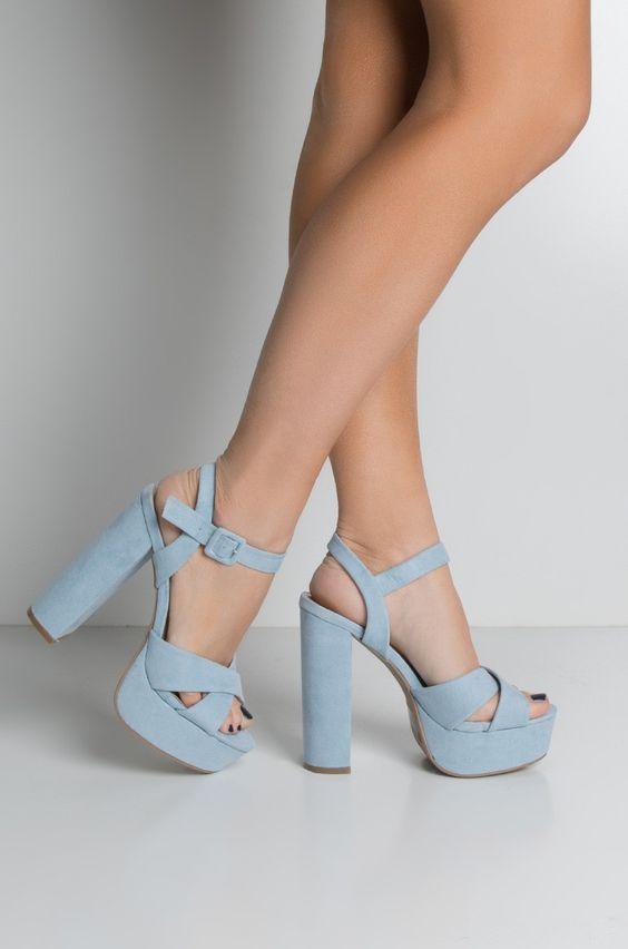 Zapatos de tacón o plataformas