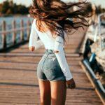 Busca prendas ajustadas a la cintura