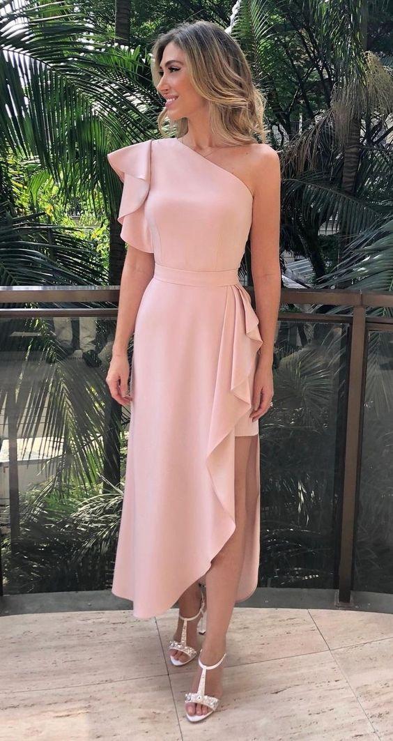 Despidete de los vestidos de coctel muy cortos