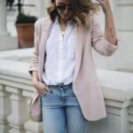 Jeans con blazer color nude