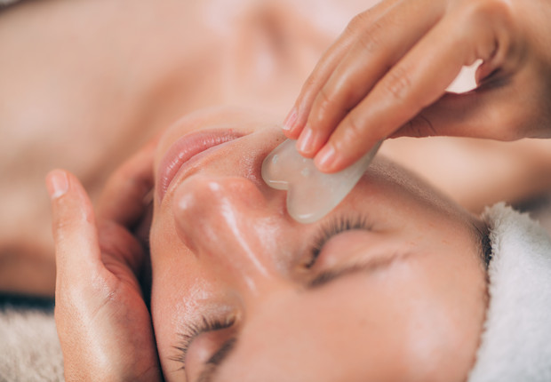 Masajes para reafirmar el rostro