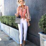 No uses pantalones blancos con ropa interior colorida