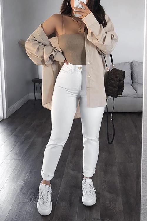 No uses pantalones blancos demasiado ajustados