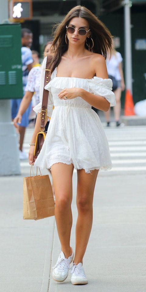 Vestidos blancos con tenis