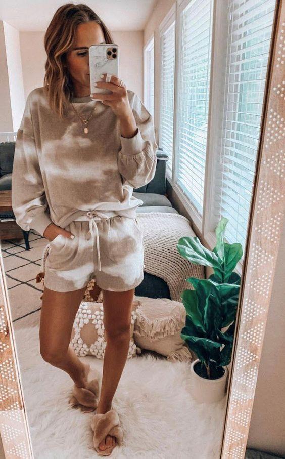 Viste con ropa loungewear