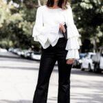 Combina prendas negras con blancas