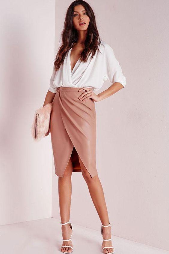 Diseños de faldas de cuero que puedes usar para el trabajo