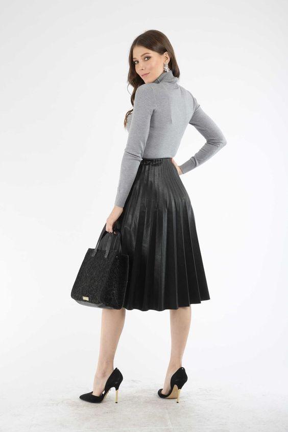 Faldas plisadas de cuero