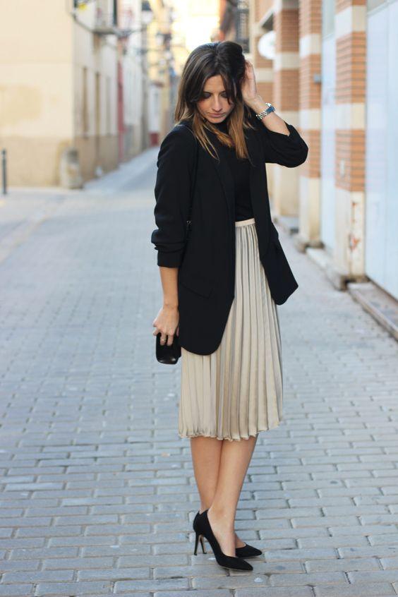 Ideas de looks elegantes con faldas plisadas