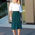 Ideas de outfits con faldas plisadas para el trabajo