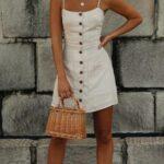 Ideas de outfits con vestidos cortos por colores