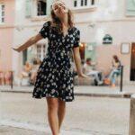 Ideas de outfits para fin de semana con estampado floral