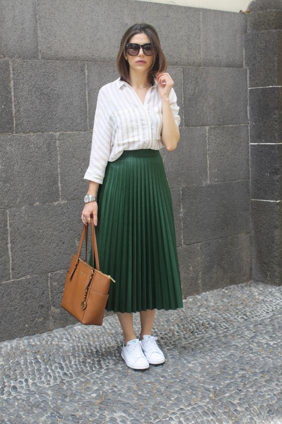 Looks con faldas plisadas midi