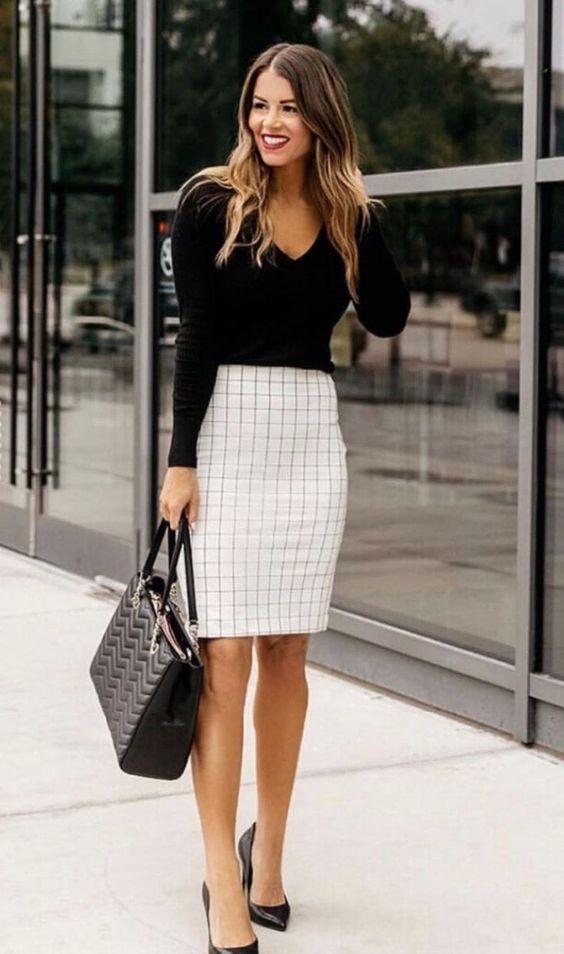Outfits con faldas a cuadros para ir a trabajar