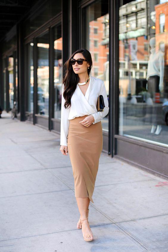Outfits elegantes y juveniles con falda para el trabajo
