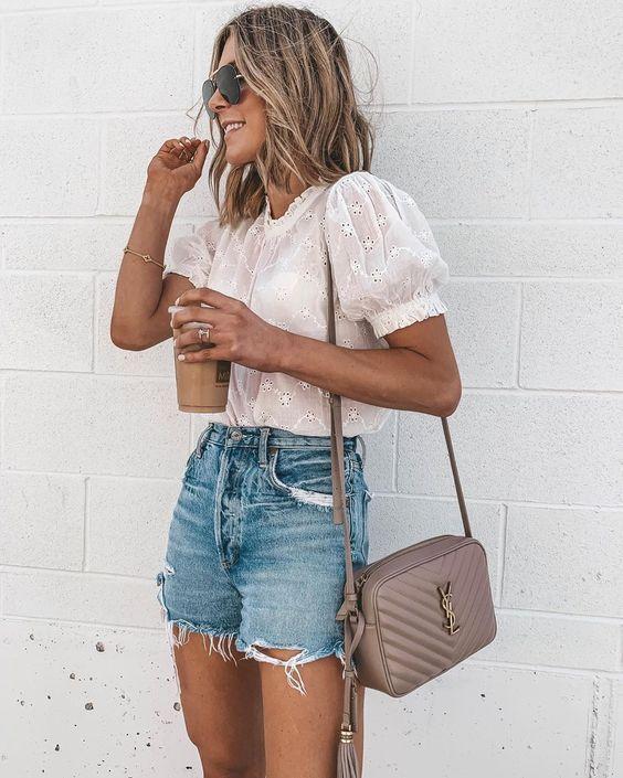 Utiliza colores claros en tu ropa
