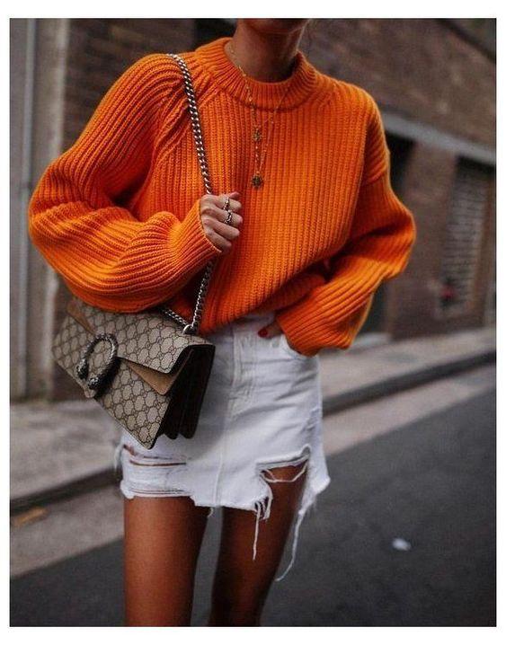 Outfits con maxi sueter naranja