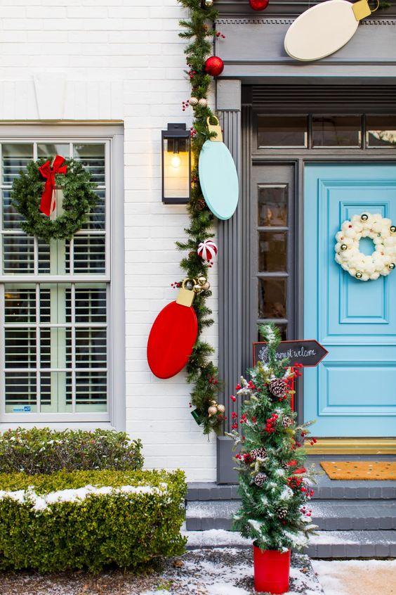 Guirnaldas para decorar la puerta de la entrada