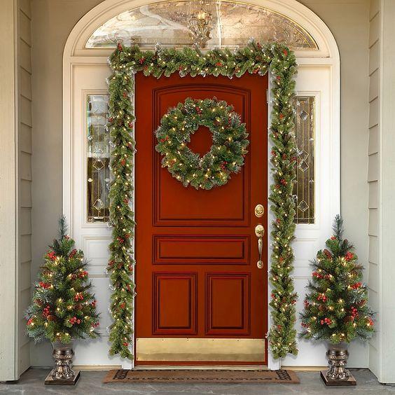 Adornos navideños para la puerta tradicionales