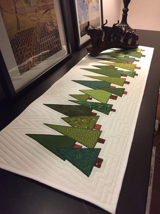 Diseños de caminos de mesa navideños minimalistas