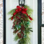 Ideas de colgantes navideños en forma de lagrima con piñas