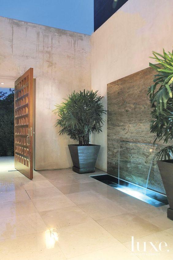 Diseños de muros llorones en interiores de casas
