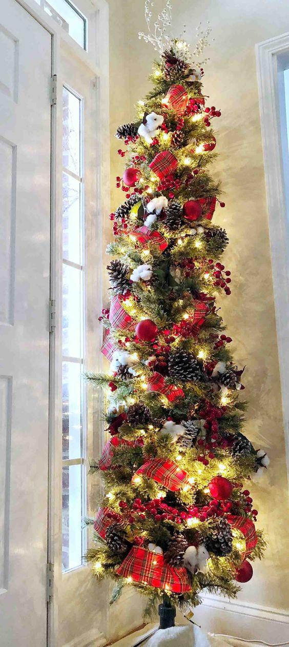 Decoración de árboles slim coloridos para navidad