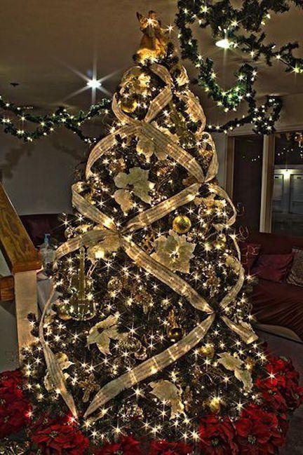 Decoración de navidad en dorado