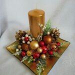 Centros de mesa navideños en bandeja color dorado