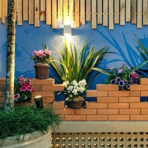 Decoraciones con ladrillos para tu jardín trasero