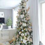 Ideas para decorar tu árbol de navidad slim en color blanco