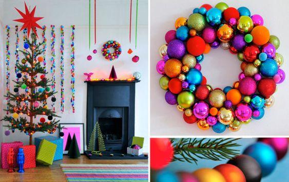 Tendencias en decoracion navideña moderna y colorida