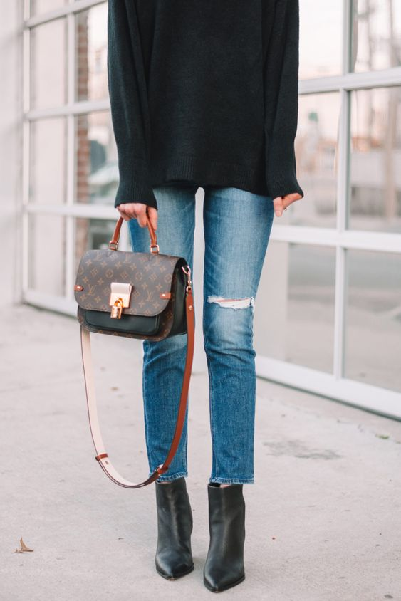 Utiliza prendas oversize en color negro