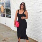 Ideas de outfits con vestidos midi al cuerpo