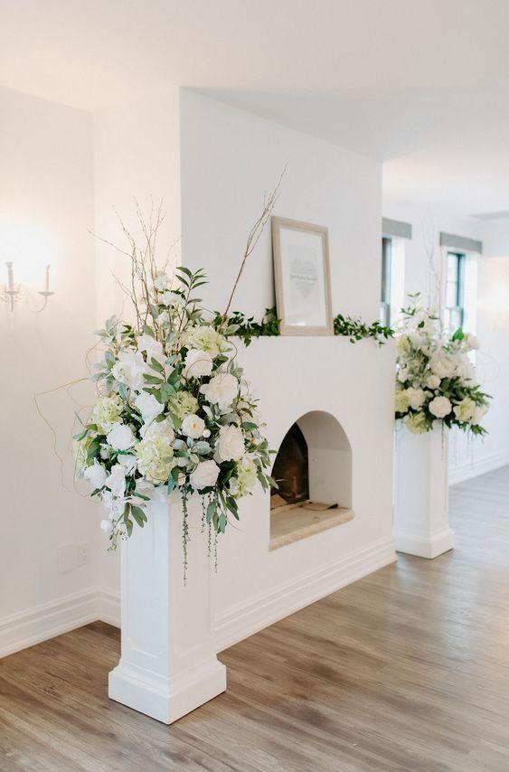 Opciones de adornos florales para una boda religiosa