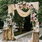 Entradas de bodas decoradas con flores