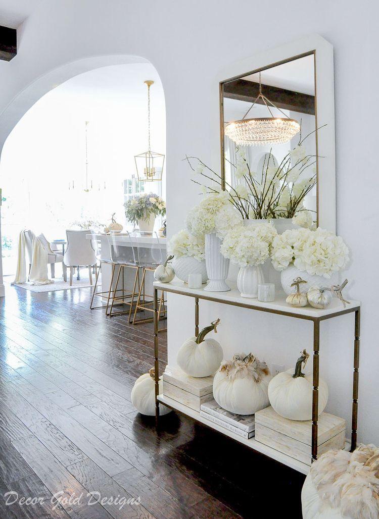 Ideas para decorar la entrada de la casa con calabazas de tela