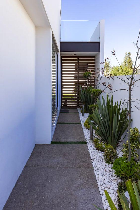 Opciones de casa con jardín lateral