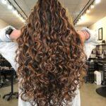 Añade una rutina de cuidado para el cabello