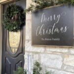Decoración navideña para la entrada de la casa