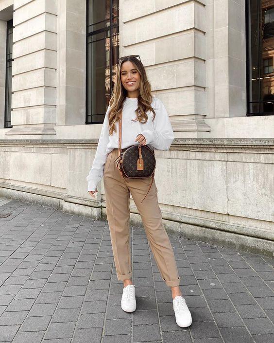 Pantalones de mezclilla color beige