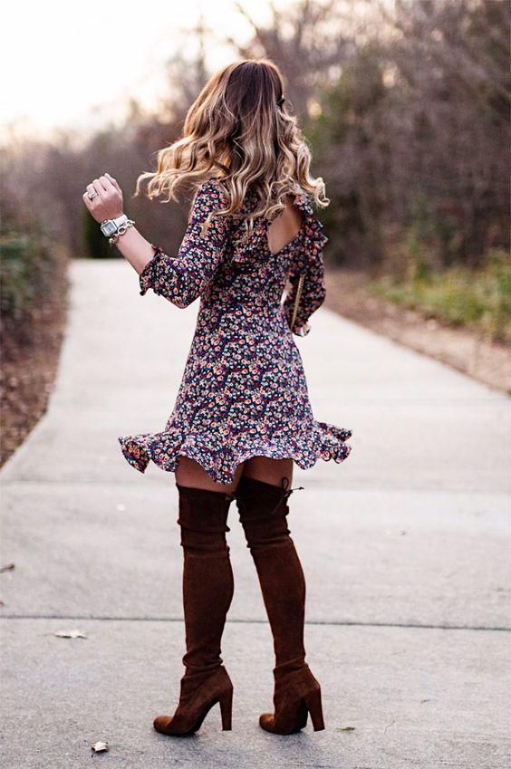 Vestidos de flores con botas altas