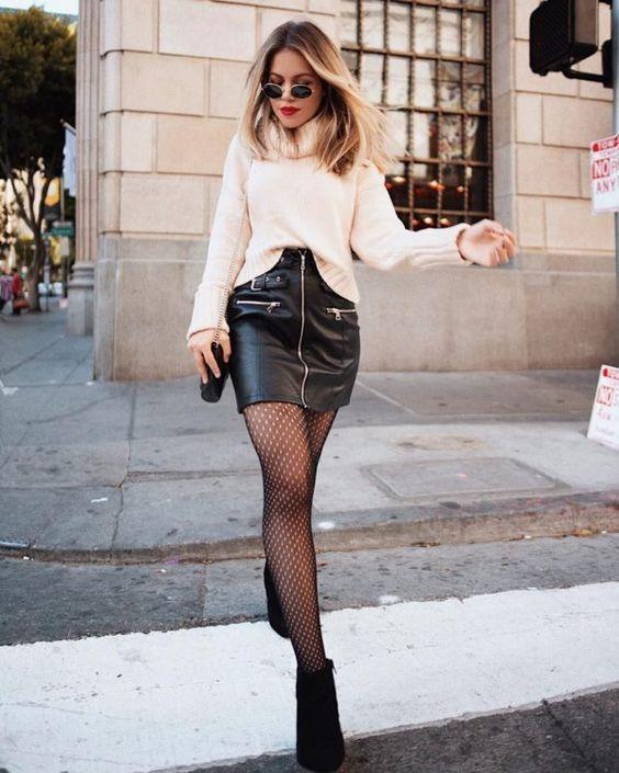 Outfits con faldas de cuero negras