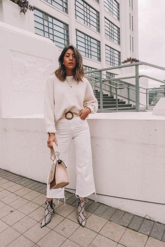 Pantalones blancos con botas