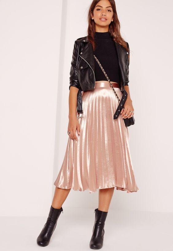 Outfits con prendas metalizadas