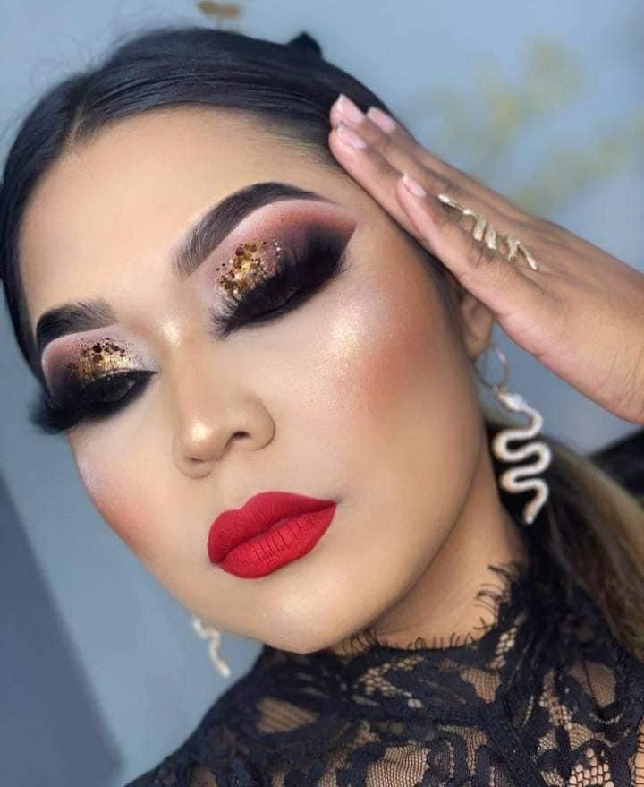 Maquillaje buchón glam
