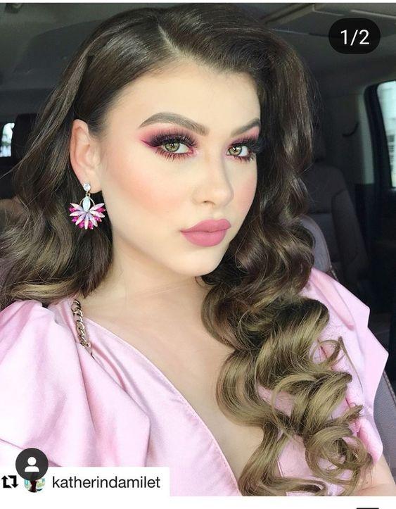 Ideas de maquillaje buchón en colores claros