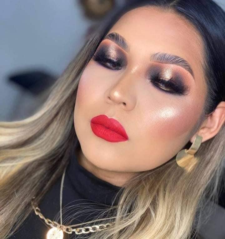 Maquillaje de ojos estilo buchón