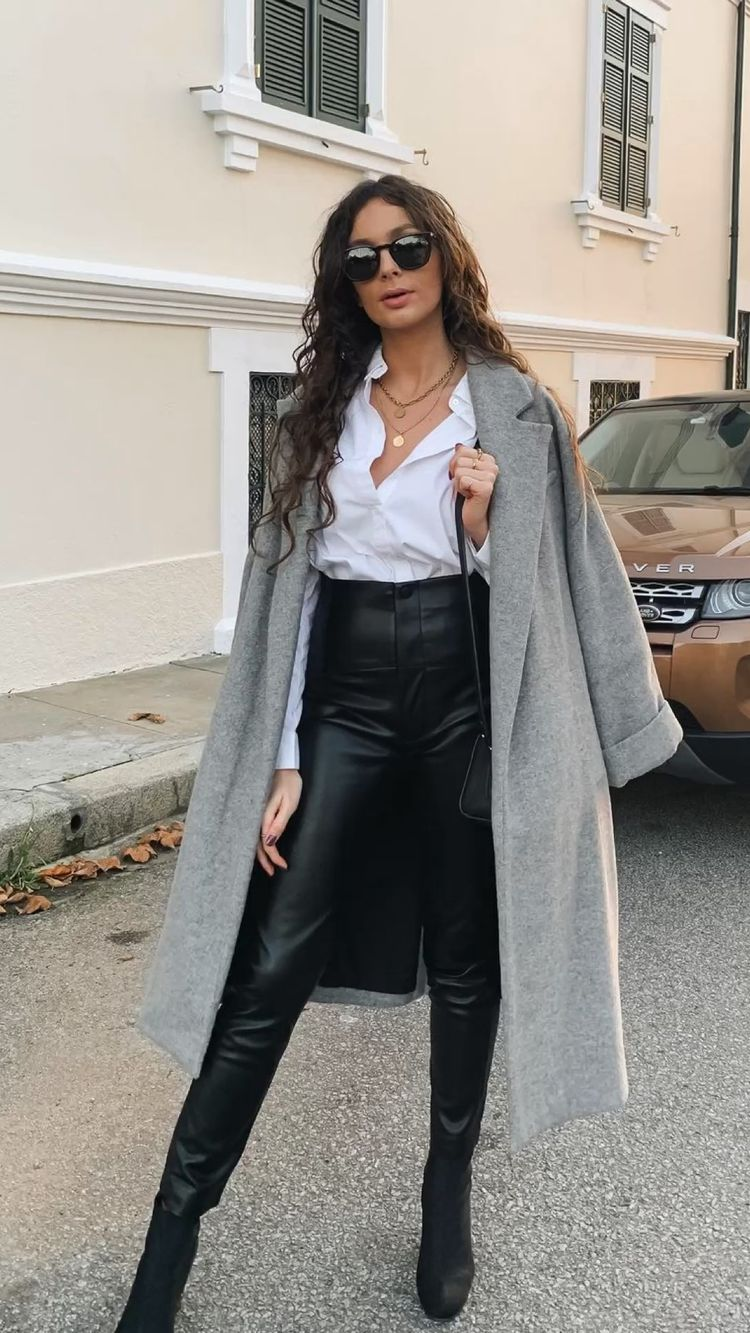 Outfits con leggins negros para ir a trabajar sin verte fachosa