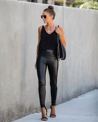 Looks con leggins negros de cuero para el trabajo